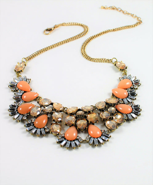 Gardenia Statement Necklace - Navya