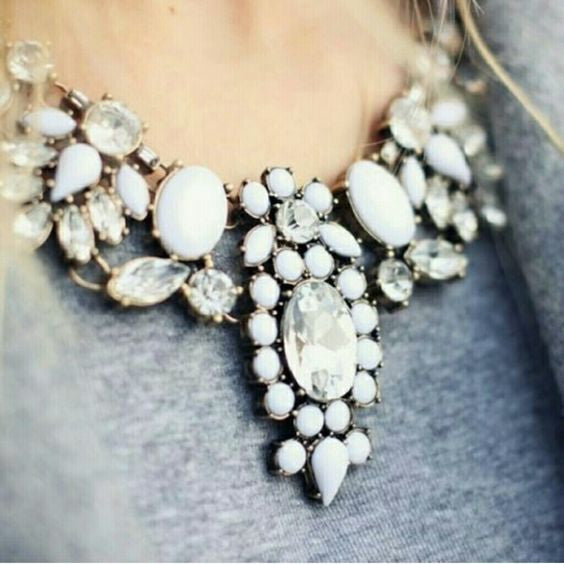 Bella Stone Statement Necklace - Navya