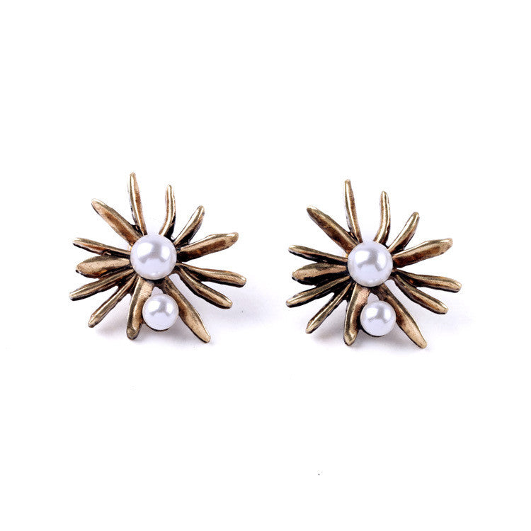 white earrings product fancy flower with gold cut set illusion diamonds stud