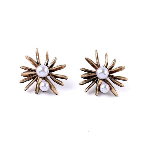 Retro Pearl Flower Stud Earrings - Navya