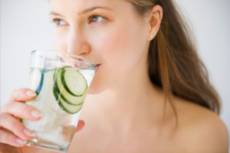 Beauty Foods: Eat Your Way to Gorgeous, Young-Looking Skin