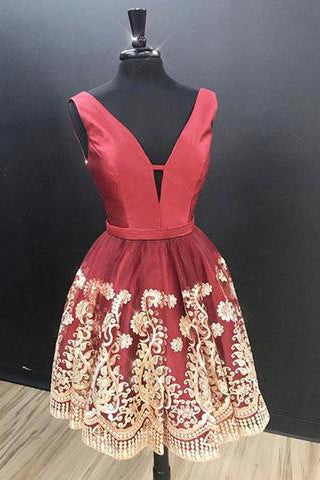 Charming A-Line V Neck Sleeveless Red Short Homecoming Dress With Lace Appliques OKD22