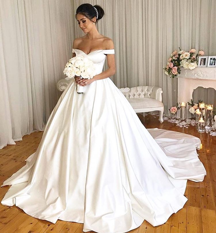 Charming Simple Style Satin Ball Gown Wedding Dresses Modest Bridal Dress OKD98
