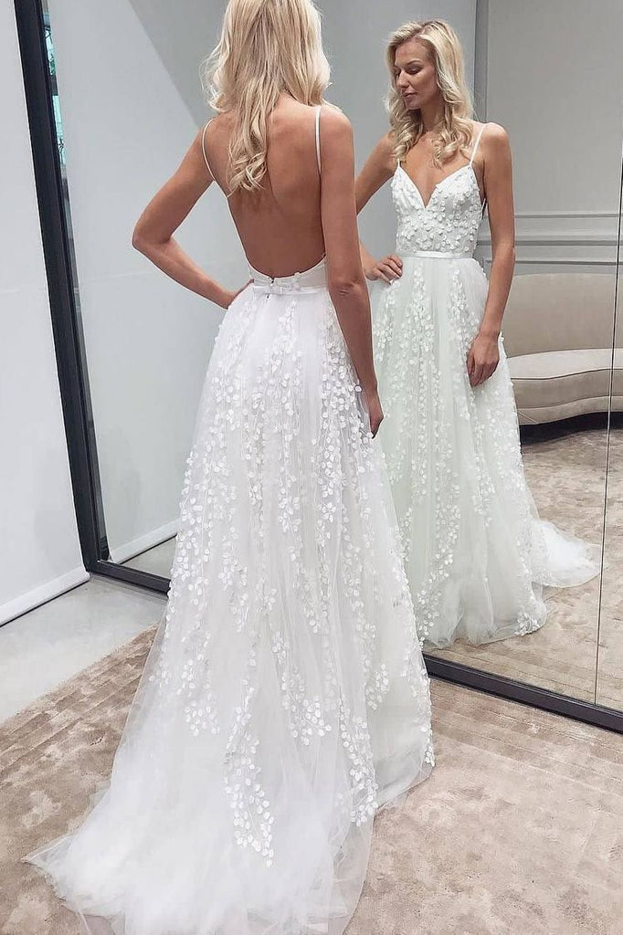 A-line Tulle Spaghetti Straps Boho Long Wedding Dresses With Lace Appliques OKU78