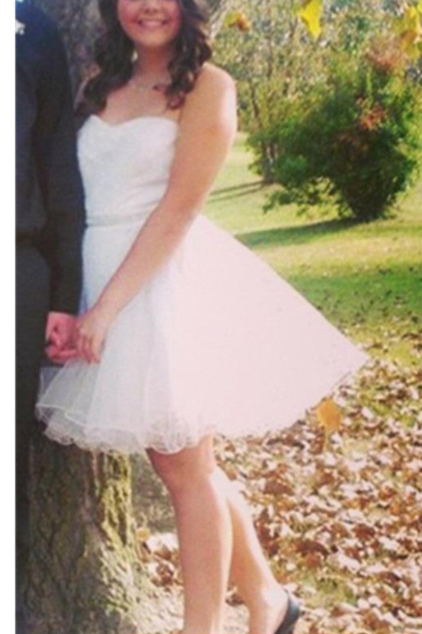 Simple White Strapless Short A-line Tulle Homecoming Dresses K398