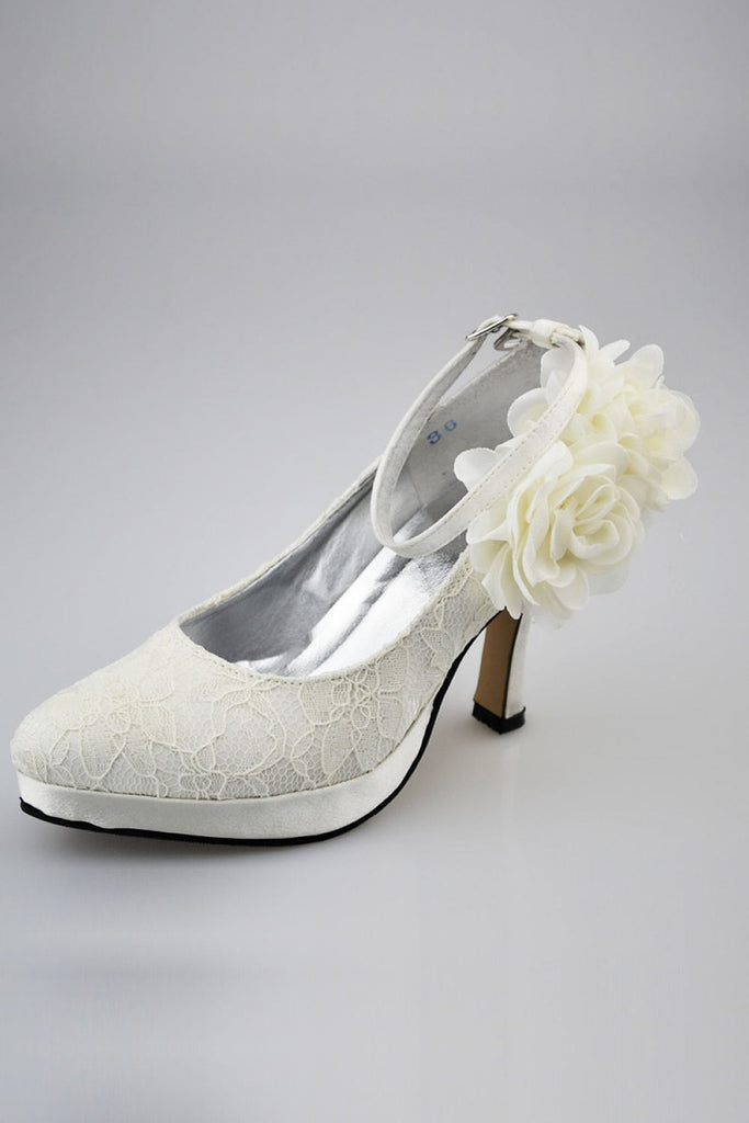 Charming Ivory Lace Ankle Strap Shoes With White Flowers S30