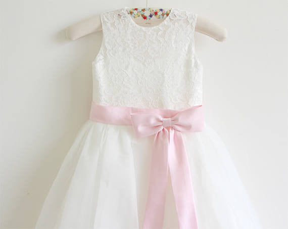 Ivory Lace Tulle Ivory Flower Girl Dress With Pink Sash/Bows Sleeveless Floor-length OK207