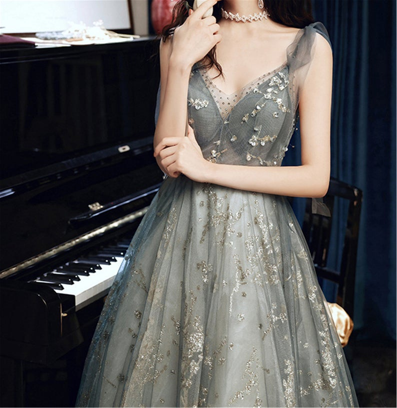 Beaded Tulle Fairy Prom Dress For Women V-Neck Long Party Dress Floor Length Evening Dress OKV92