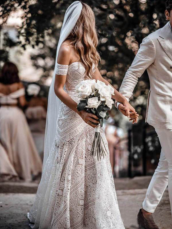 Ivory Lace Sheath Sweetheart Neck Boho Beach Wedding Dresses OKF80