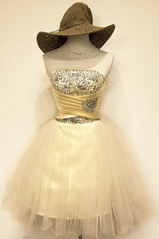Light Yellow Short Beading A-line Tulle Strapless Homecoming Dresses K549
