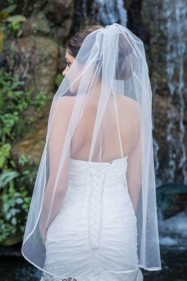 1T Layer Fingertip Length Tulle Wedding Veil with Satin Trim Edge WV3