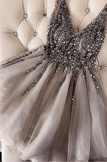 Luxurious Sequins Beaded V-neck Tulle Short Gray Homecoming Dresses