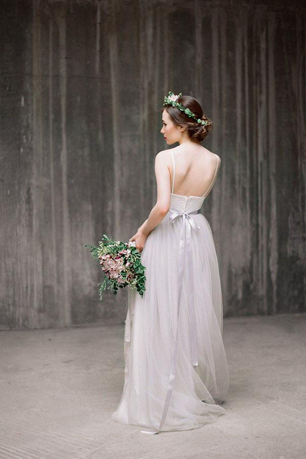 Spaghetti Straps Backless Grey Tulle Long Wedding Dresses With Lace Applique OK531