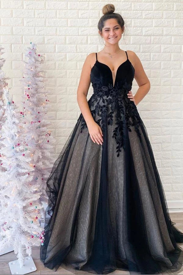 Spaghetti Straps Black V Neck Backless Tulle Prom Dresses With Applique OKU3