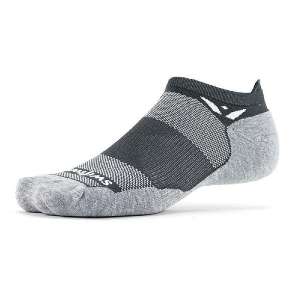 Swiftwick Maxus Zero Tab No Show Socks