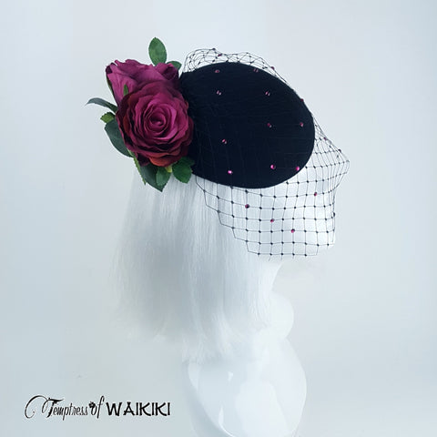 Chic Netted black Hat Decorated with Pink Roses
