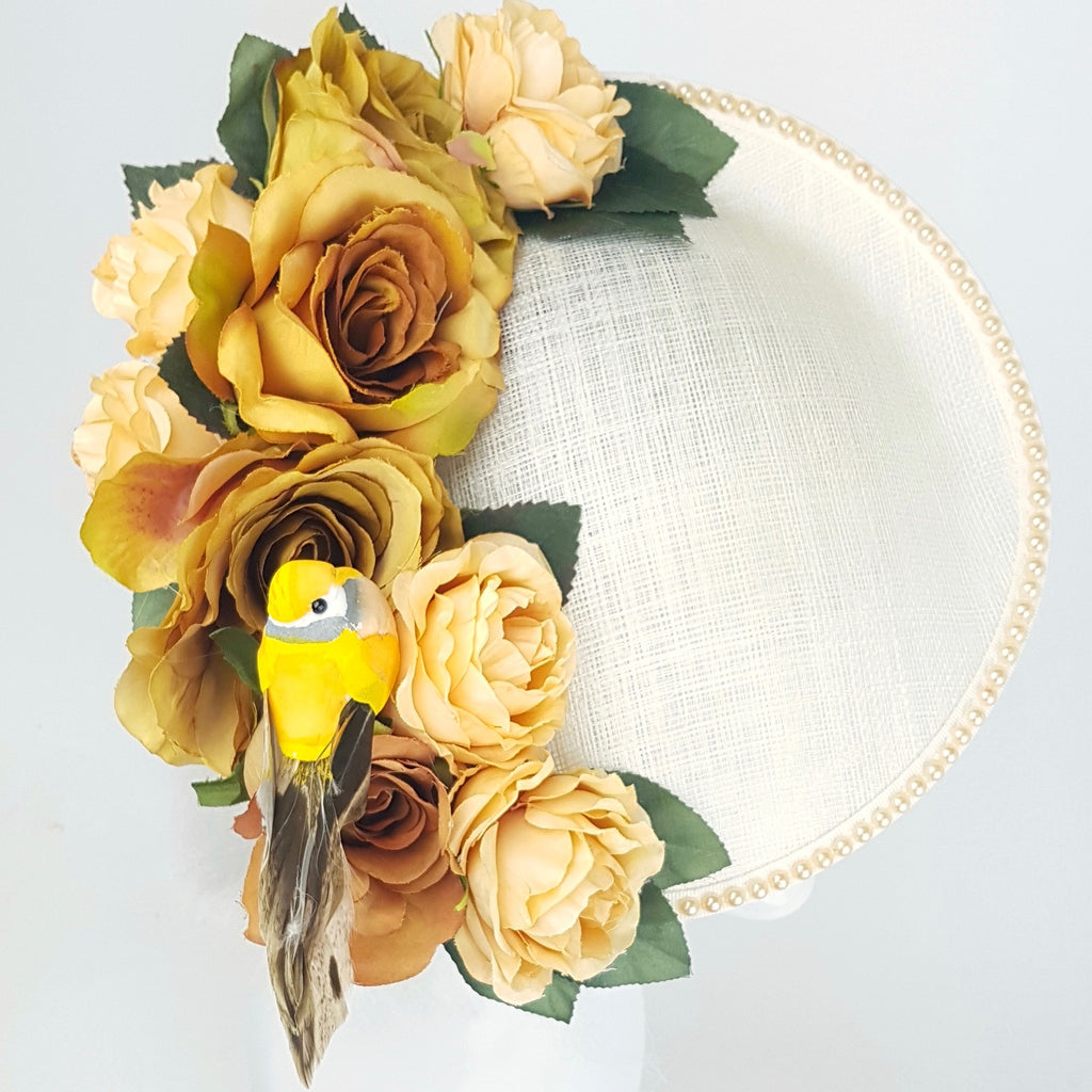 Ivory pearl floral hat with Bird (ToWSale23)