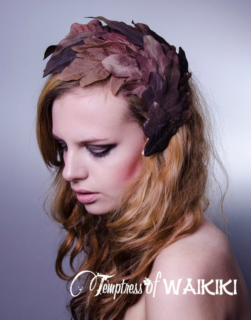 Vintage-inspired headpiece, royal ascot hats. Vintage style fascinator.
