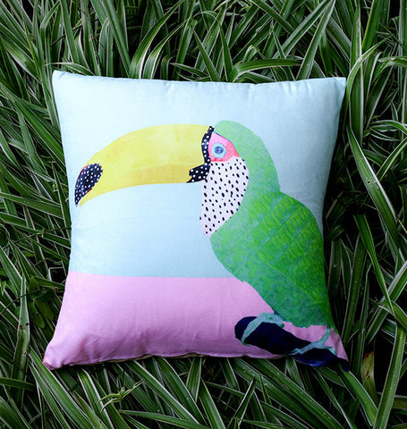 Chilling Toucan - cushion cover