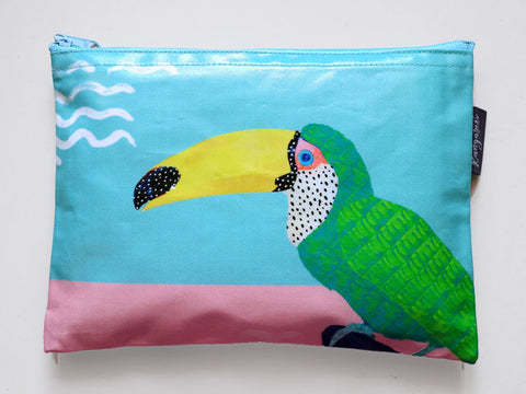Chilling Toucan - safari pouches