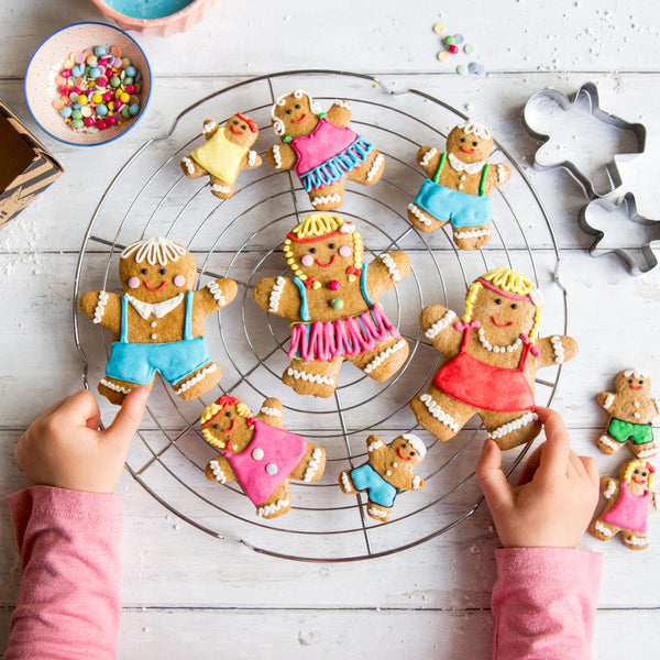 Dolly Biscuit Bake and Craft Kit