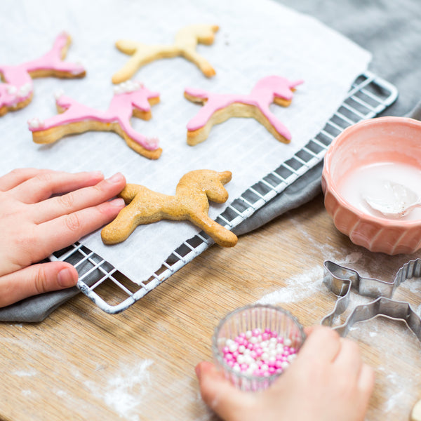 Unicorn biscuit baking kit