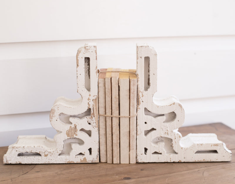 White Corbels (set of 2)