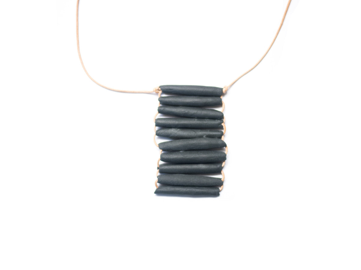 Woven necklace long black