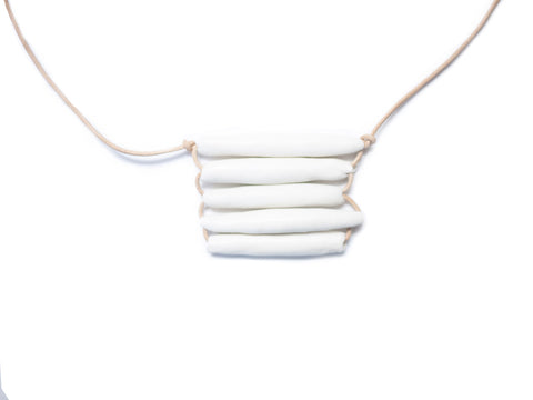 Woven necklace short white