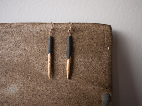 Earrings tapered black, gold dipped