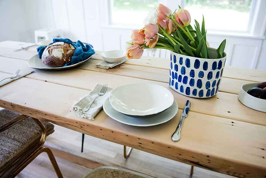 Dot curve dinnerware