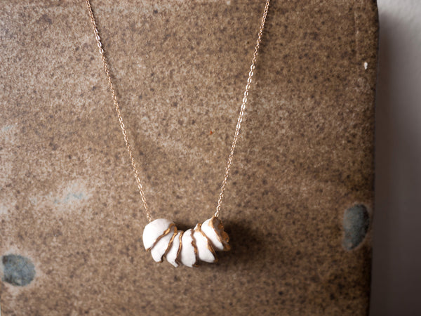 Hana necklace stack white