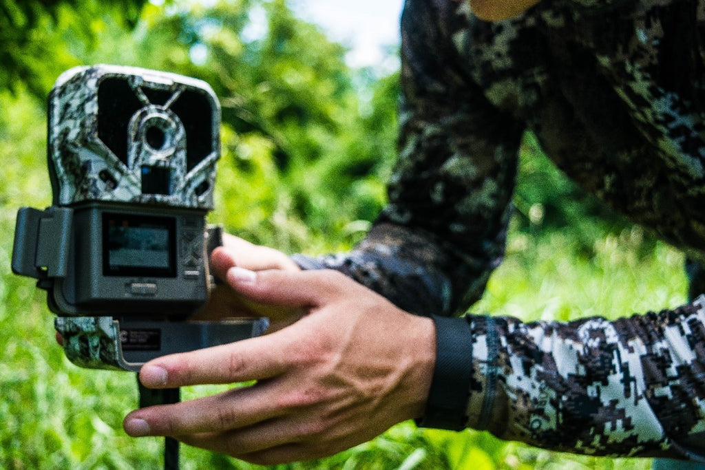 Two Major Benefits of a Trail Camera with a Viewer: Exodus Lift