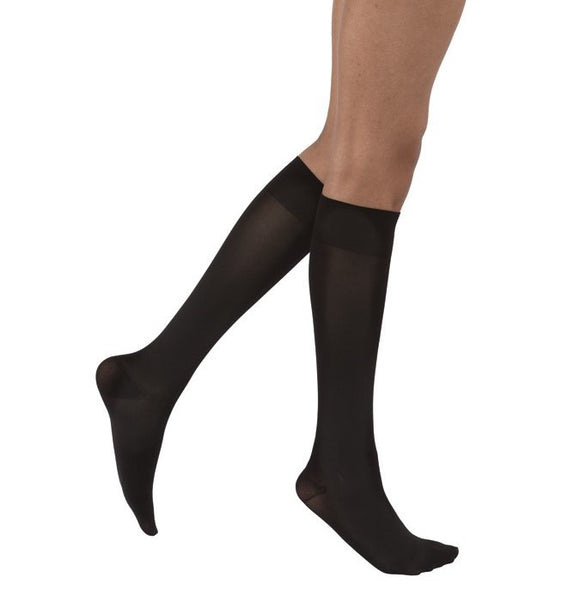 Jobst Opaque 15-20 mmHg Closed Toe Petite Knee Women's Compression Stockings