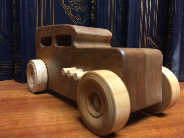 Wooden Toy Truck Set // The Pane Perso Hotrod Fleet // la flotta macchina truccata