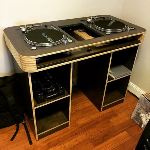 custom dj table dj desk producer desk pane perso woodcrafts. Black Bedroom Furniture Sets. Home Design Ideas
