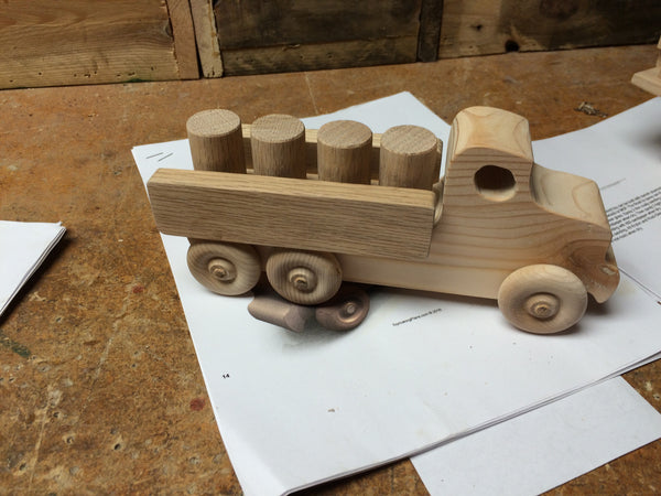 Wooden Toy Truck // Lorry // il camion