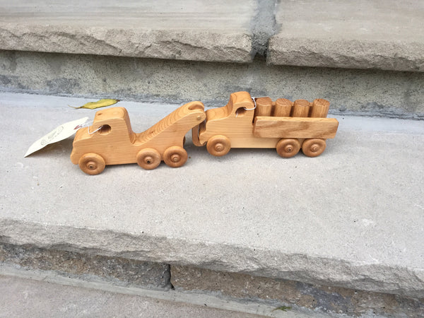 Wooden Toy Tow Truck // il carro attrezzi - Handmade Wooden Toy Truck