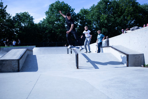 Jente bs Feeble