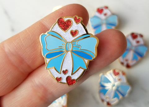 Fanciful Bow Lapel Pin - Baby Blue