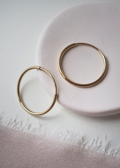 14k Gold - Embrace Hoop Earrings