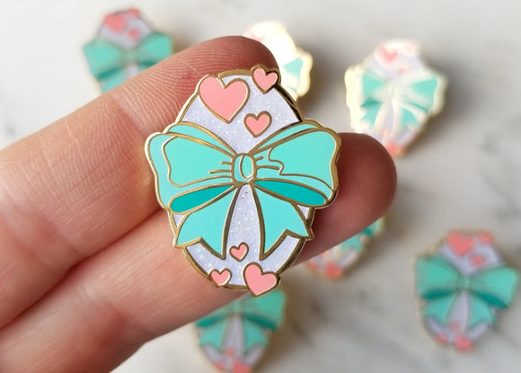 Fanciful Bow Lapel Pin - Seafoam