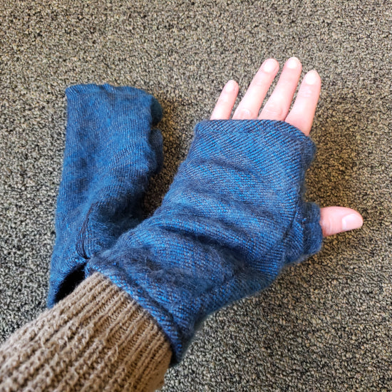 Brushed Woven Arm Warmer Gloves - Blue