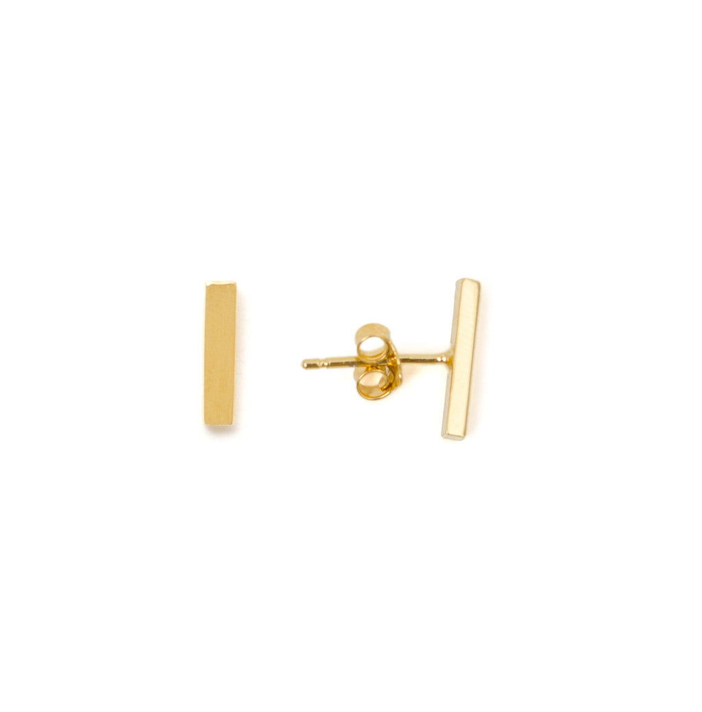 MINIMAL BAR STUD EARRINGS - MAKKO