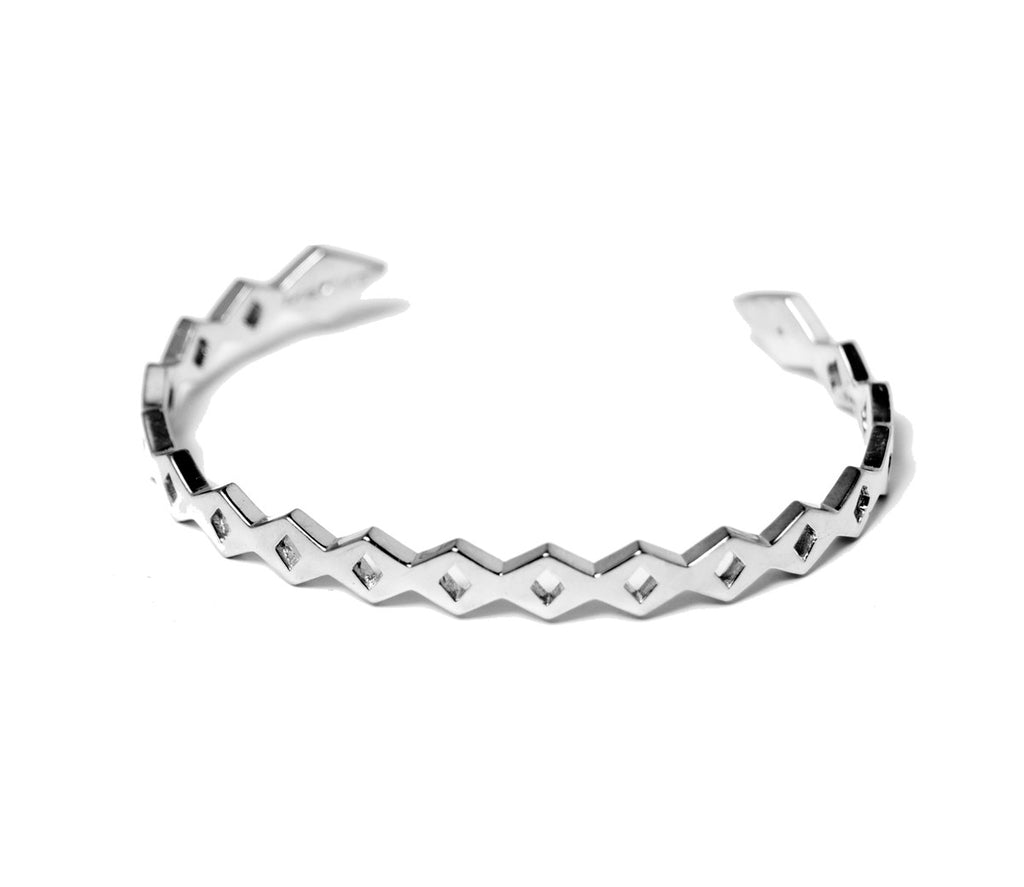 LINKED ARROW BANGLE