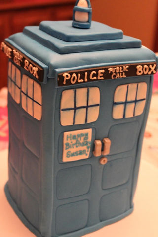 3D sculpted Police Box cake
