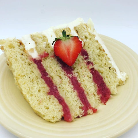 Strawberries 'n' Cream Amycake (2 weeks' notice required)