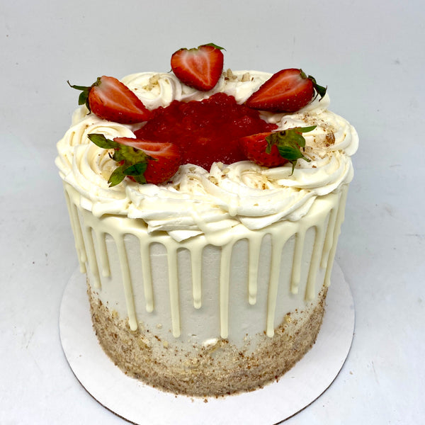 Strawberry Almond Cheesecake Amycake (10 Days' notice required)