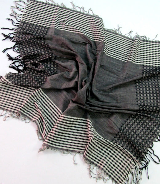 Handwoven black and white cotton scarf