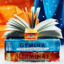 Exclusive Illuminae Candle
